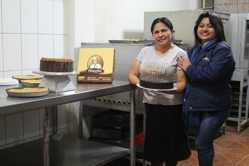 """""""Gracias a Confianza desarrollé mi pastelería que me da tranquilidad"""""""