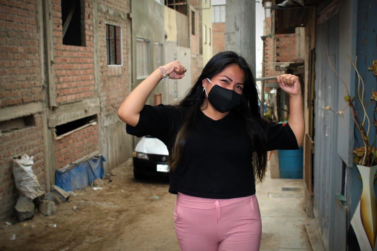 Financiera Confianza y Centrum PUCP lanzan programa  de formación gratuito para mujeres microemprendedoras