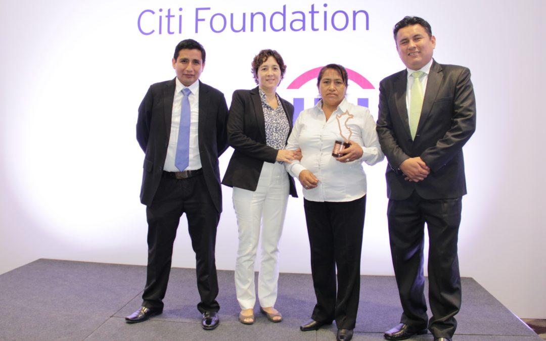 Cliente de Financiera Confianza gana en el PREMIC 2017